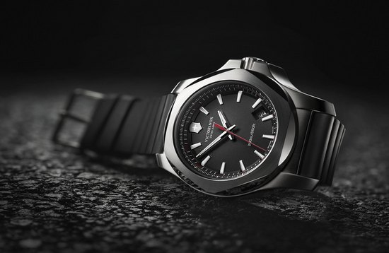 Victorinox I.N.O.X. Black Watch