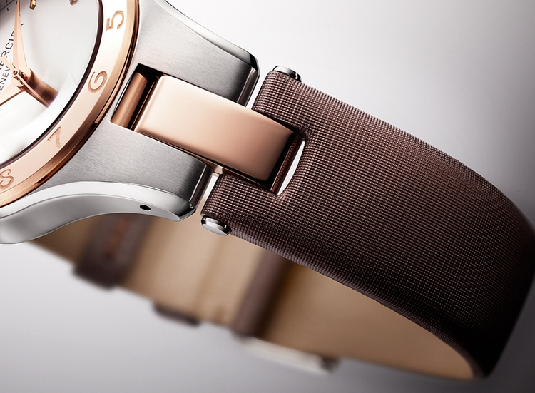 Baume & Mercier Two-Tone Linea Automatic 10073 Watch Detail