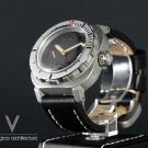 movas-ag-diver-big-crown-watch-front