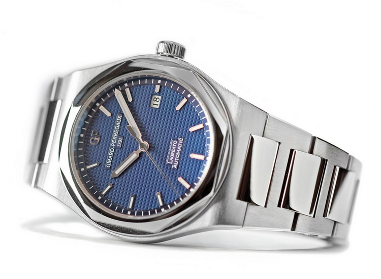 Girard-Perregaux Laureato 2016 Watch Blue Dial