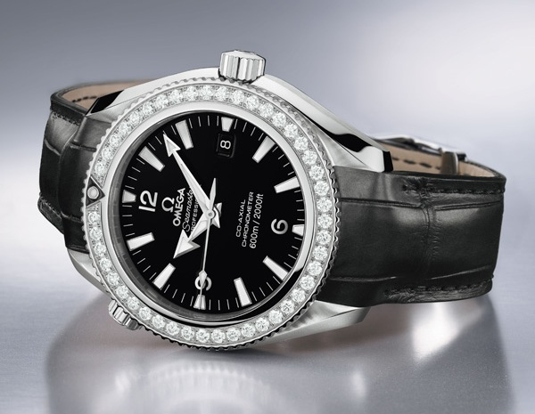 omega-lady-planet-ocean-600