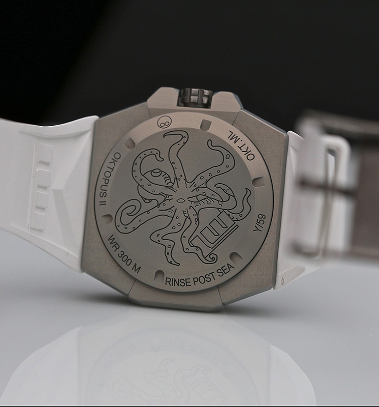 Linde Werdelin Oktopus II Moonlite Watch Back