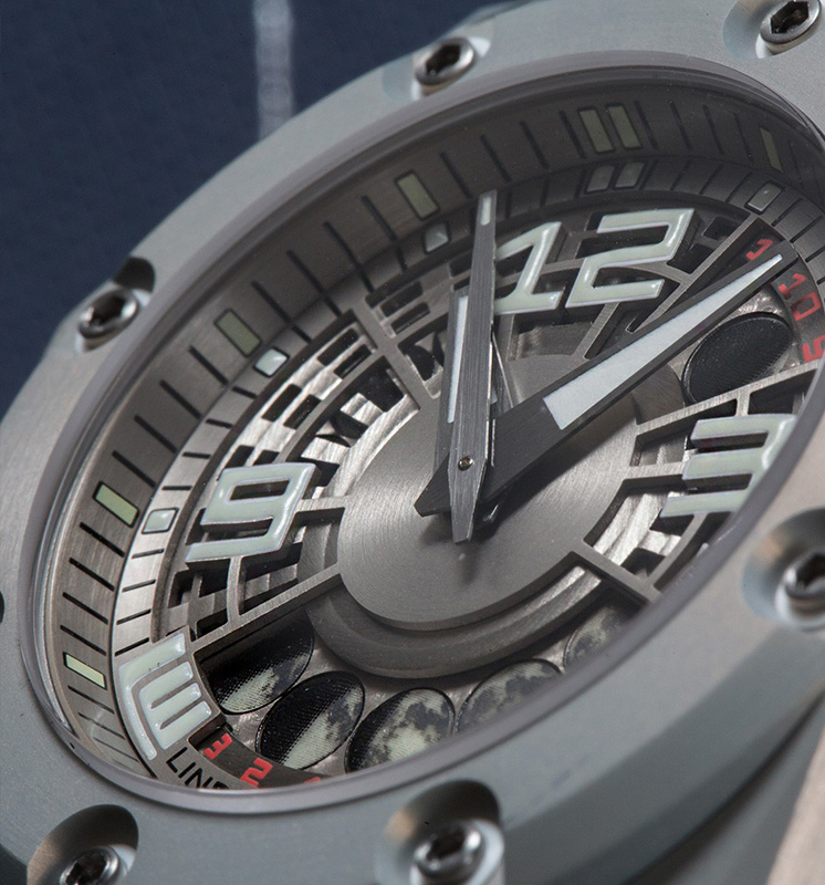 Linde Werdelin Oktopus II Moonlite Watch Dial