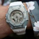 Linde Werdelin Oktopus II Moonlite Watch