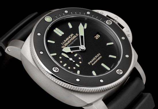 Panerai PAM 389 Luminor Submersible Amagnetic Diving Watch