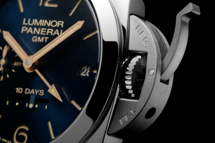 Panerai Luminor 1950 10 Days GMT Automatic Acciaio 44 MM Watch Crown