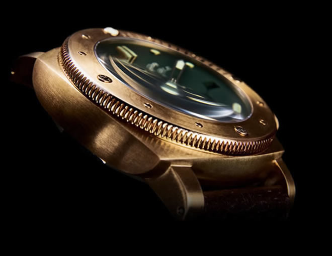 panerai-luminor-submersible-1950-3-days-bronzo-pam00382-side-view