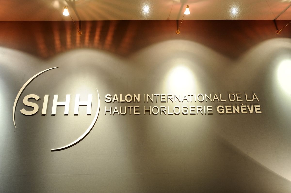 The salon international de la haute horlogerie collection for Salon international