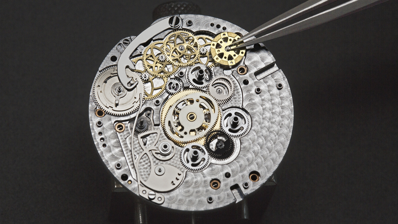 Van Cleef & Arpels Lady Arpels Ronde Des Papillons Watch Movement