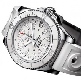 Breitling Superocean II 36 – A Feminine Diving Watch